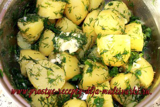 Курица с грибами и картофелем в мультиварке