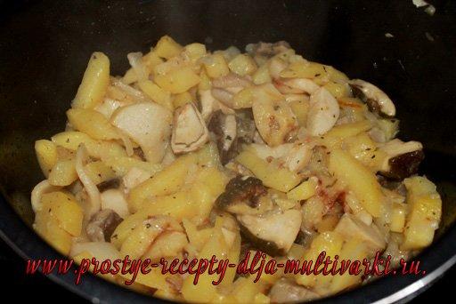 Картошка с грибами в мультиварке-скороварке