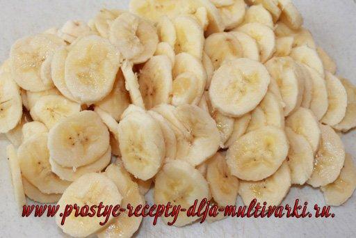 Банановый пирог в мультиварке-скороварке