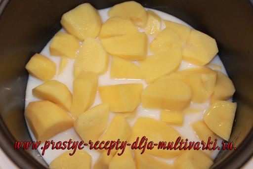 Картофельное пюре с котлетами в мультиварке