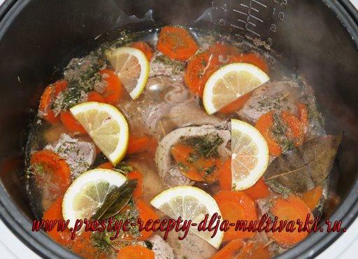 Роллы из телятины в лимонном соусе