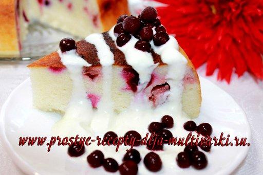 Творожная запеканка с манкой и ягодами в мультиварке, в скороварке