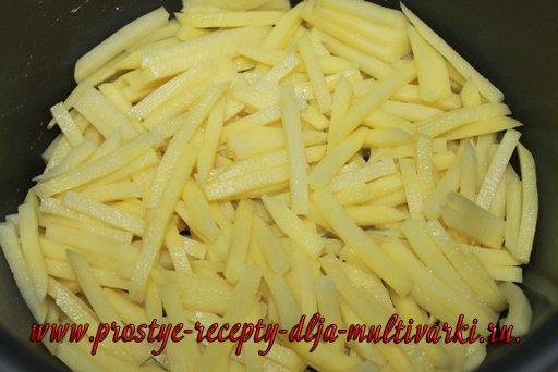 Картошка с яйцами в мультиварке