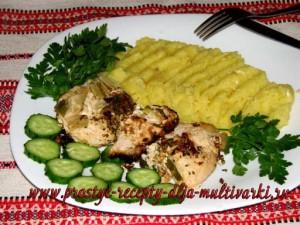 Куриное филе в соусе в мультиварке