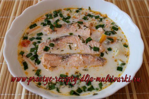 Сливочный суп с семгой в мультиварке