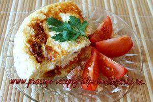Омлет с колбасой, сыром и помидорами в мультиварке