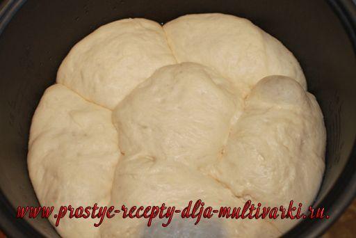 Хлеб с яйцом и зеленым луком в мультиварке