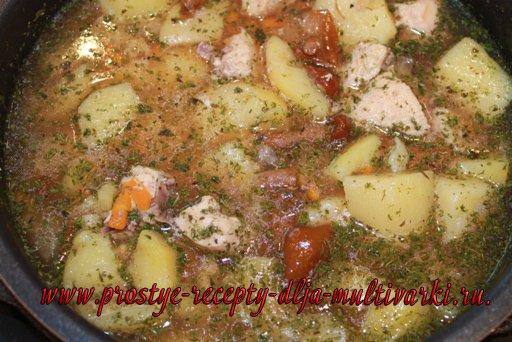 Тушеная картошка в мультиварке-скороварке