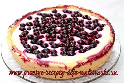 Творожный пирог со смородиной в мультиварке