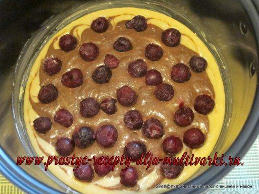 Сметанный пирог с вишней и маком