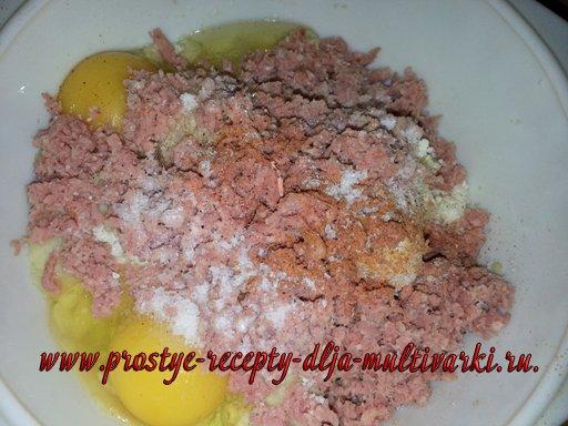 Запеканка из картофельного пюре и творога в мультиварке
