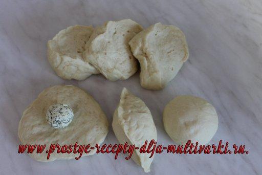 Дрожжевые булочки с сыром в мультиварке