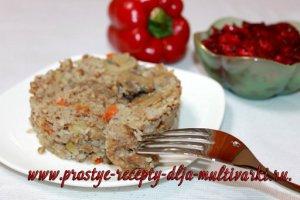 Гречка по-селянски и свекольный салат в мультиварке