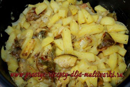 Картошка с грибами в мультиварке