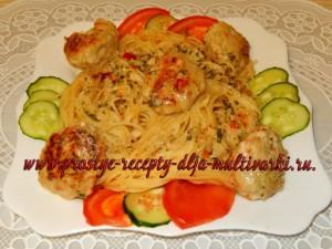 Фрикадельки из куриного филе с овощами