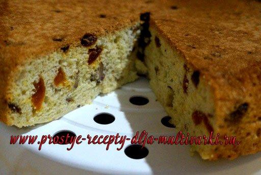 Пирог с орехами, изюмом и курагой в мультиварке