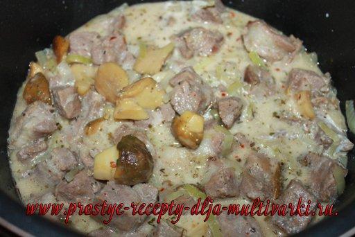 Рецепт свинины с грибами в мультиварке
