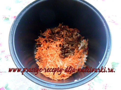 Постный борщ в мультиварке с грибами и щавелем